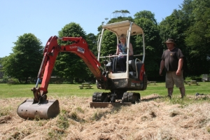 The first cut is made, with the help of Ranger Pip and a mini digger.