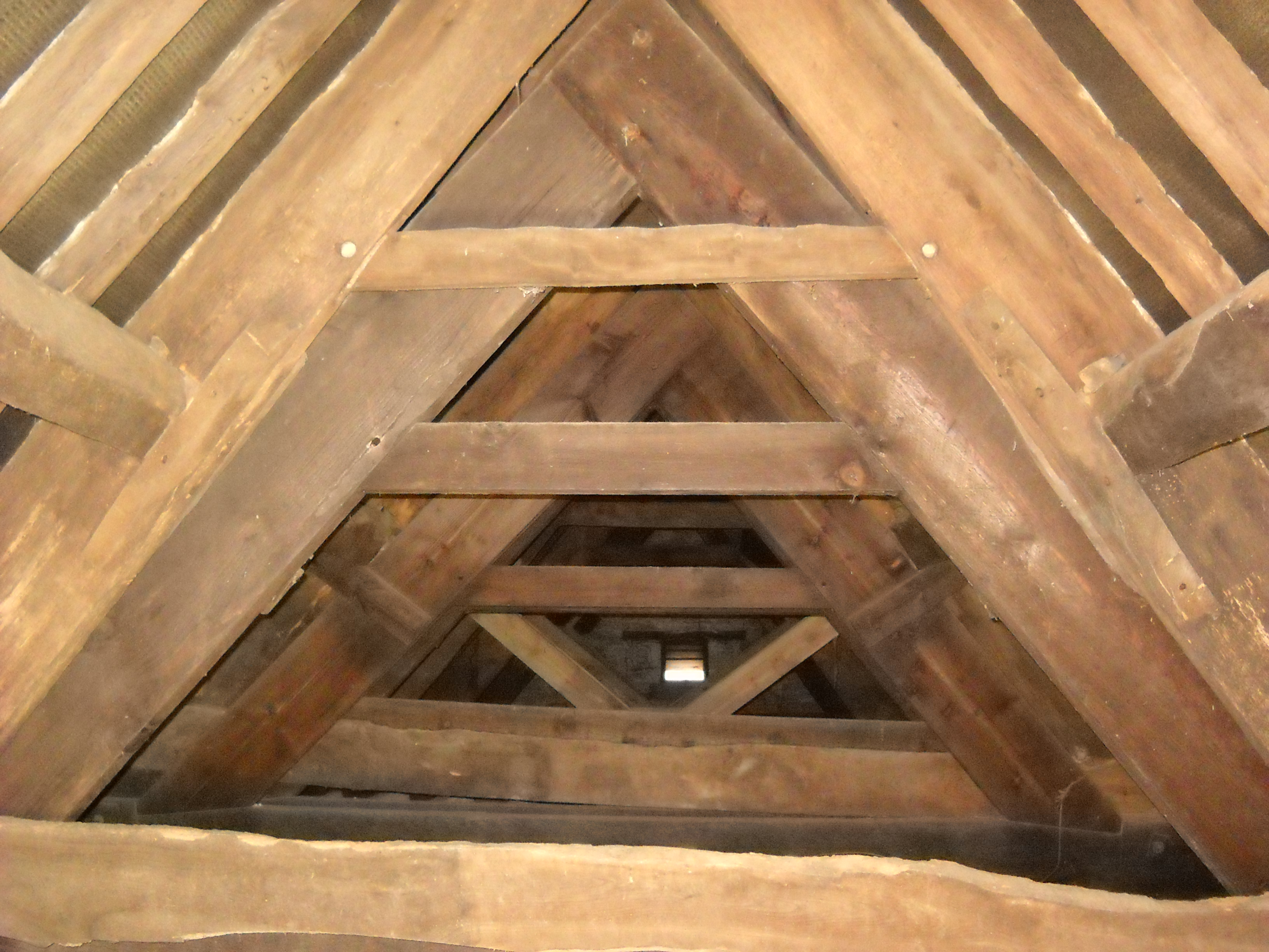 The roof above the loggia. This was tree-ring dated along with the roof timbers in the main house to the period 1517-21.