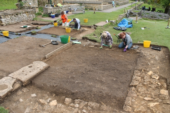 Kate and Megan cleaning the topsoil off the southern room, perhaps a backfilled plunge pool. Beneath this there were lots of Victorian bits and pieces including an button fastener..and quite a few buttons.