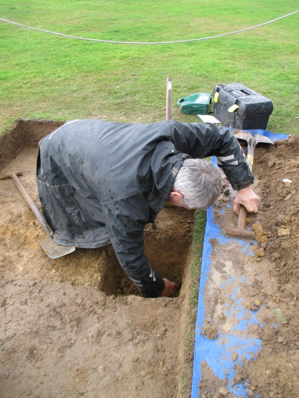 Martin digging his sondage