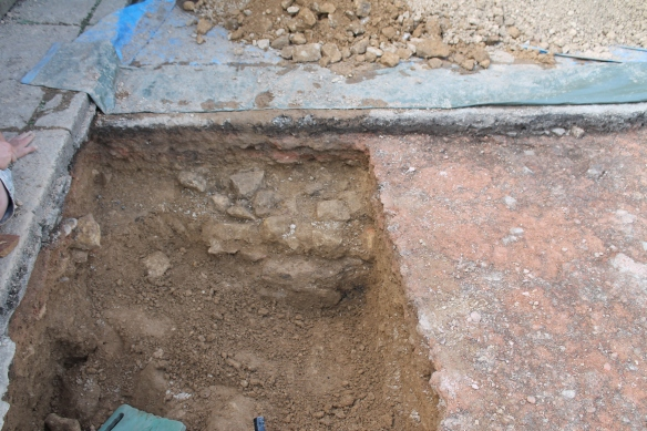At the end of the day Lois dug a bit more of trench A and found large blocks of structural stone beneath the sand.